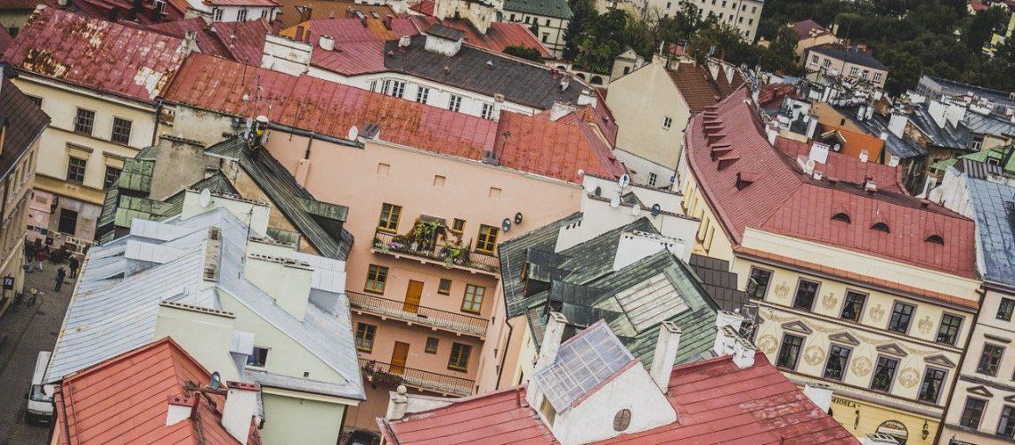 כמה עולות דירות בפולין